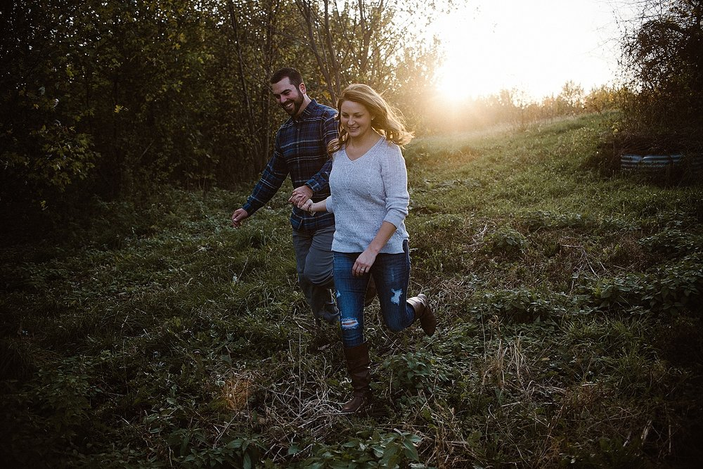 backyard-autumn-engagement-session-fort-wayne-indiana-wedding-photographer-11