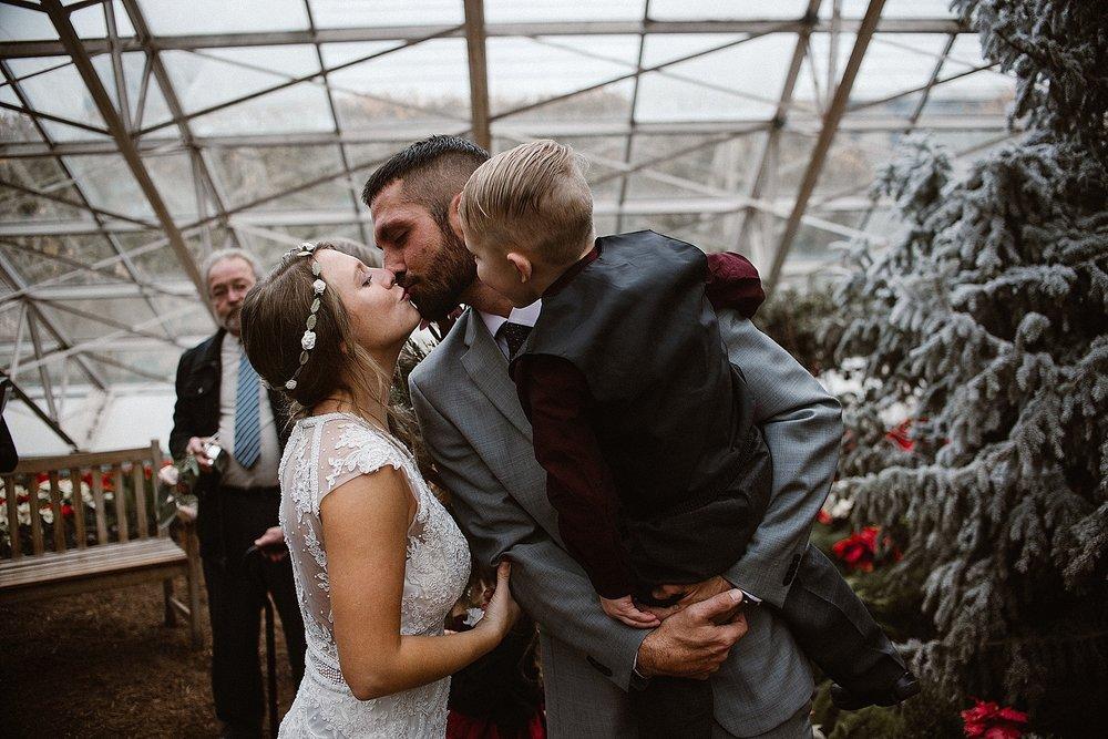 botanical-conservatory-elopement-wedding-fort-wayne-indiana-photographer-20
