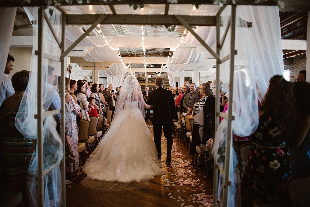 old-bag-factory-whimsical-romantic-wedding-fort-wayne-indiana-photographer-24
