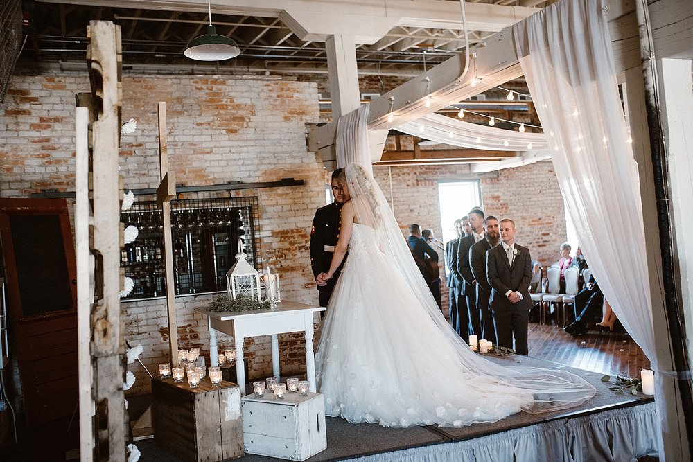 old-bag-factory-whimsical-romantic-wedding-fort-wayne-indiana-photographer-31