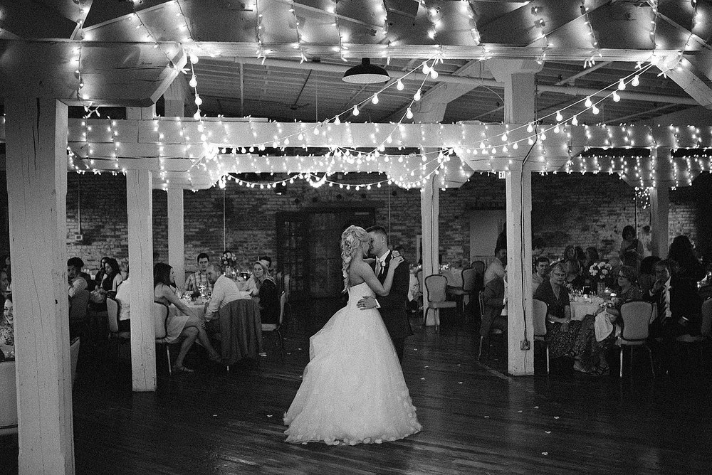 old-bag-factory-whimsical-romantic-wedding-fort-wayne-indiana-photographer-69