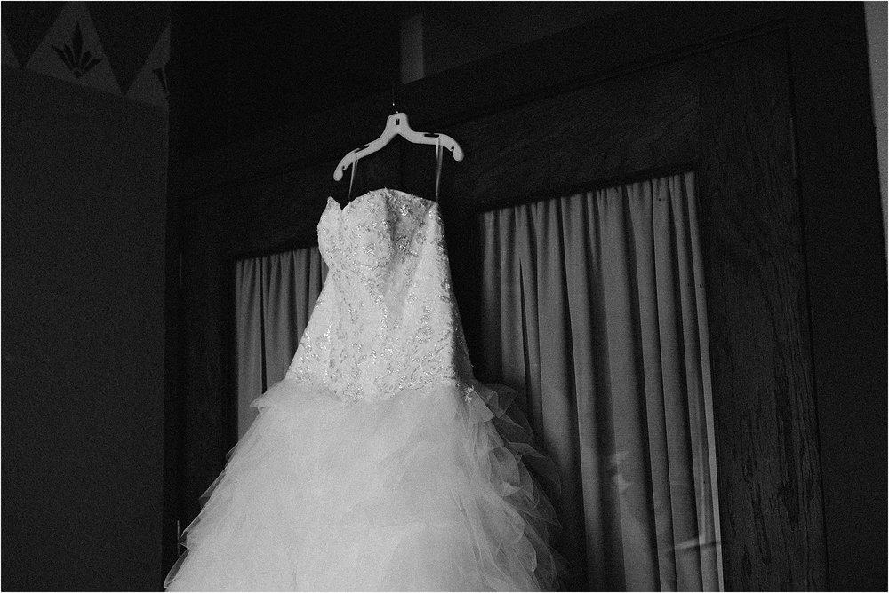 fort-wayne-wedding-philmore-on-broadway-indiana-photographer-2