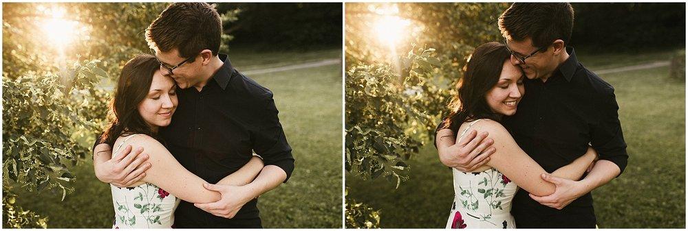 huntington-sunken-gardens-engagement-photo-sunset-couple-hugging-indiana-wedding-photographer