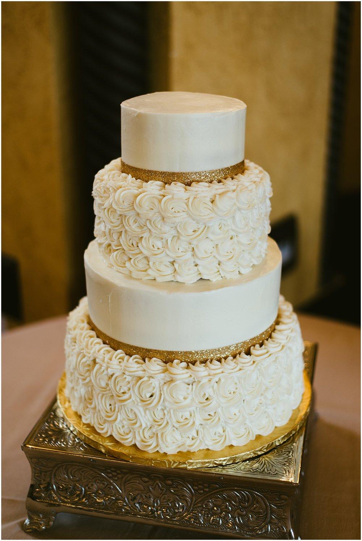 the-cake-canvas--embassy-theatre-ballroom-fort-wayne-indiana-wedding-photographer
