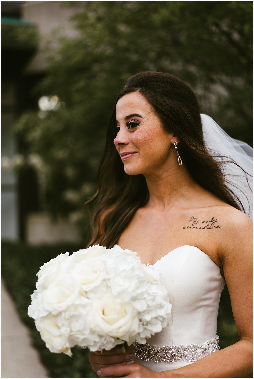bridal-portrait-stella-york-gown-roses-bouquet-indiana-photographer