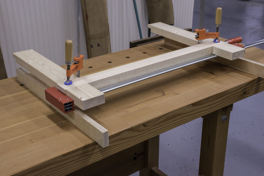 Gluing the stretchers to the legs yields two trestle sub-assemblies.