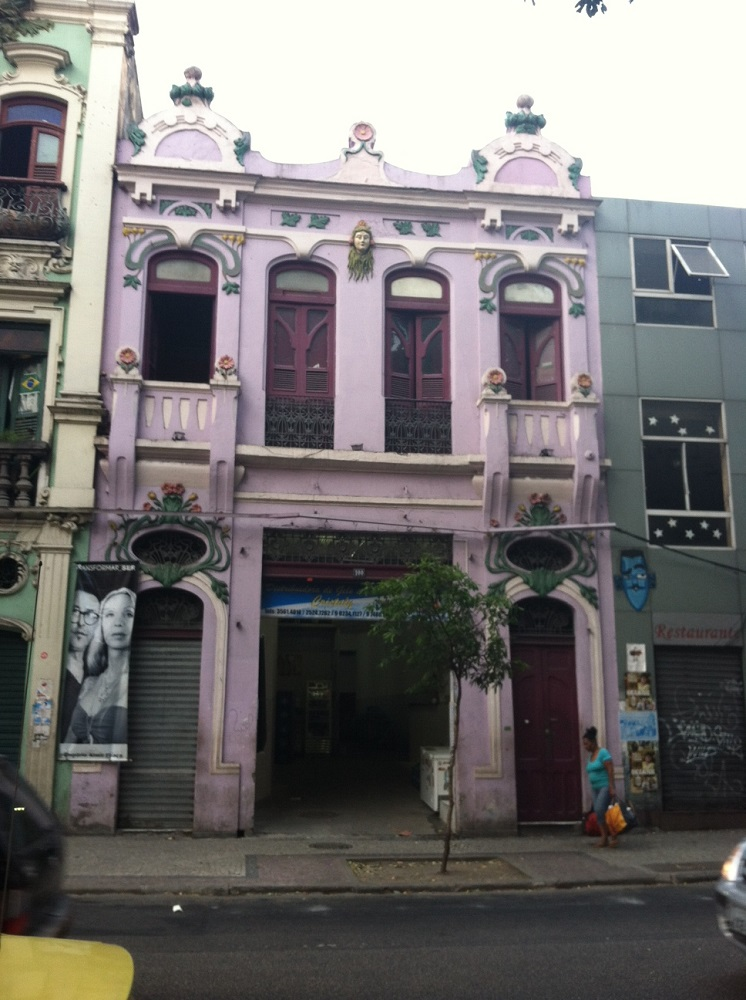 Funky purple building in Lapa