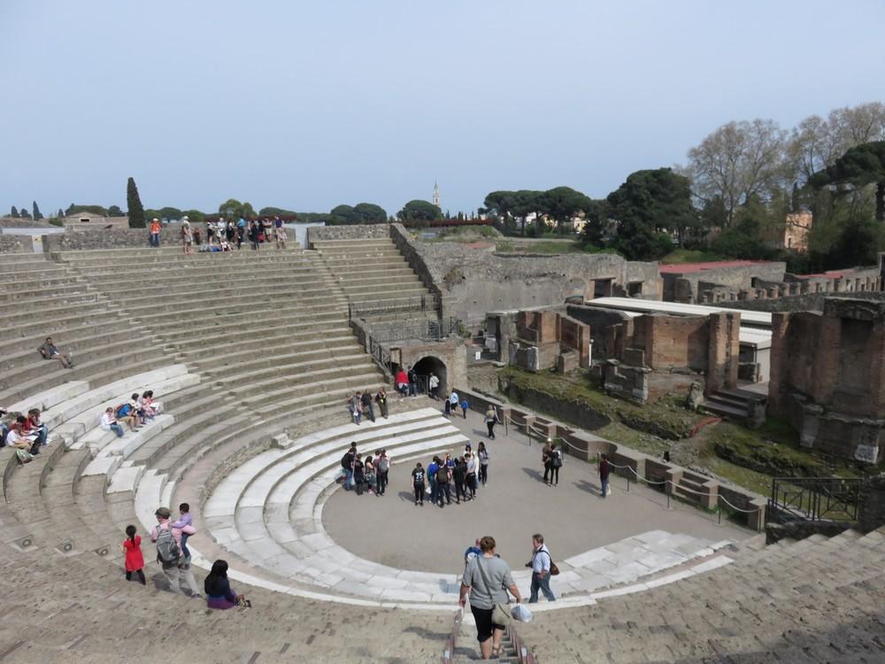 Amphitheatre grande in Pompeii