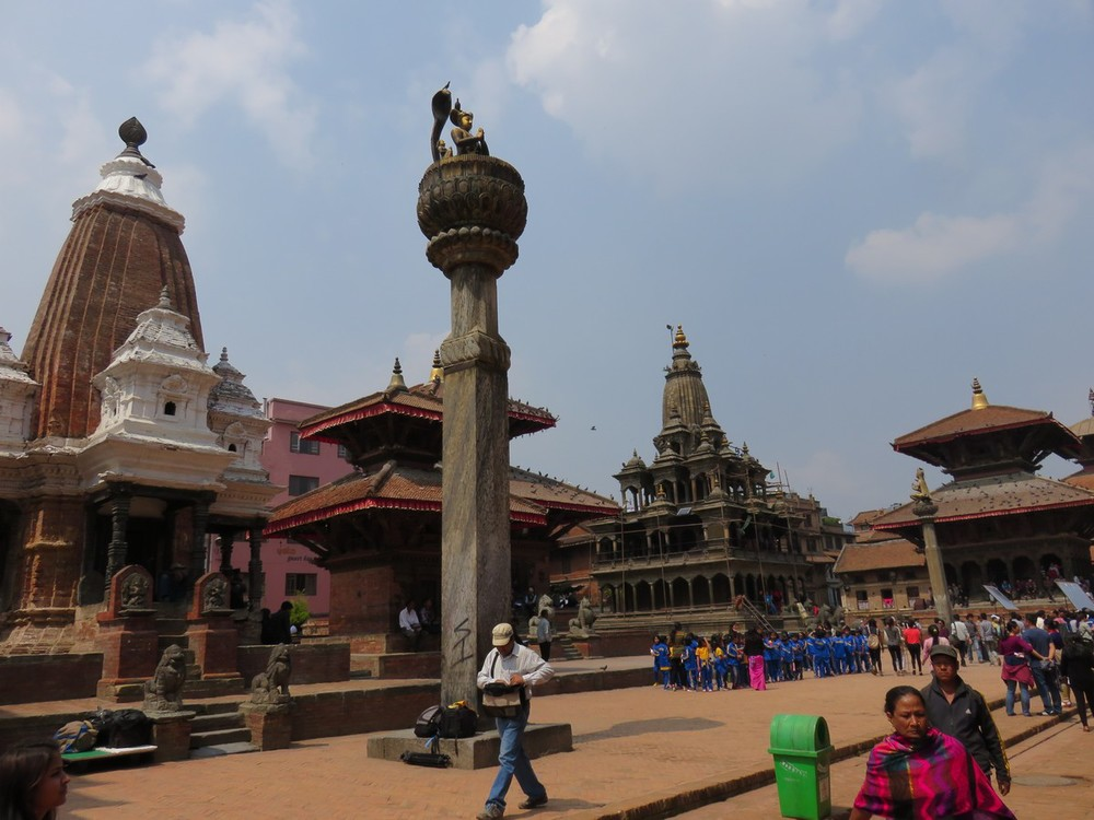 Schoolchildren in Patan Durbar Square, March 26, 2015