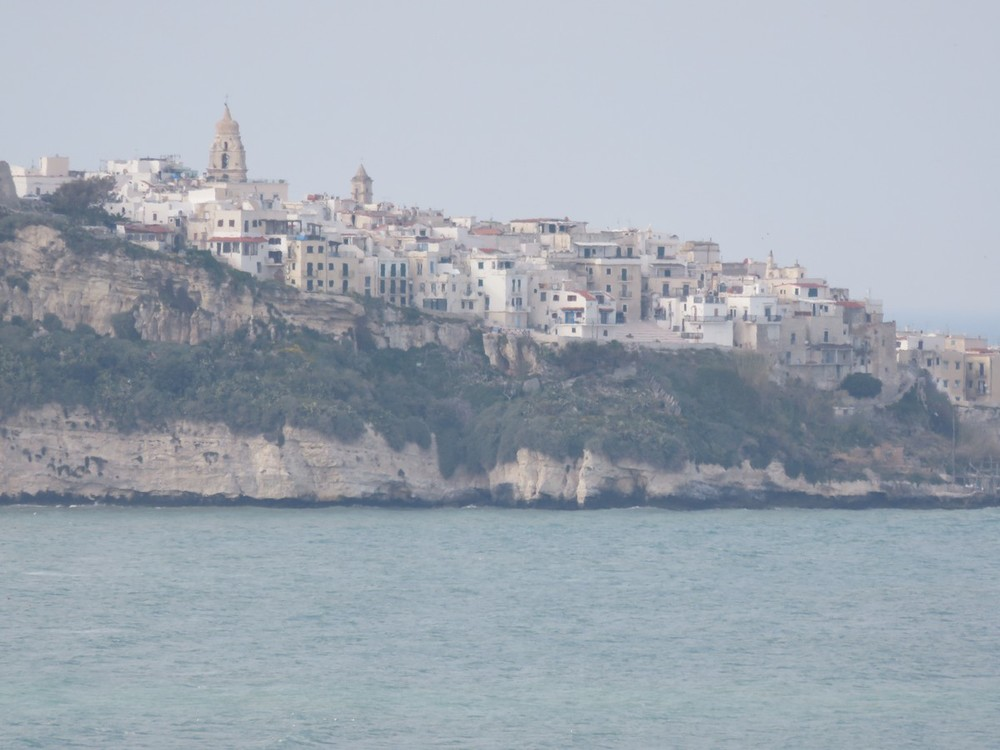 This white town perched on a cliff was stunning