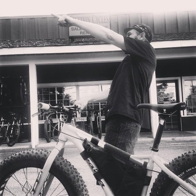 Dan Pointing.jpg