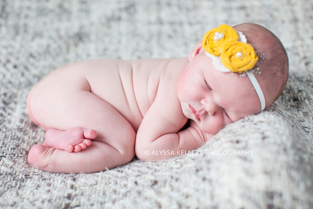 newborn-girl-baby-yellow-flowers-headband-photography