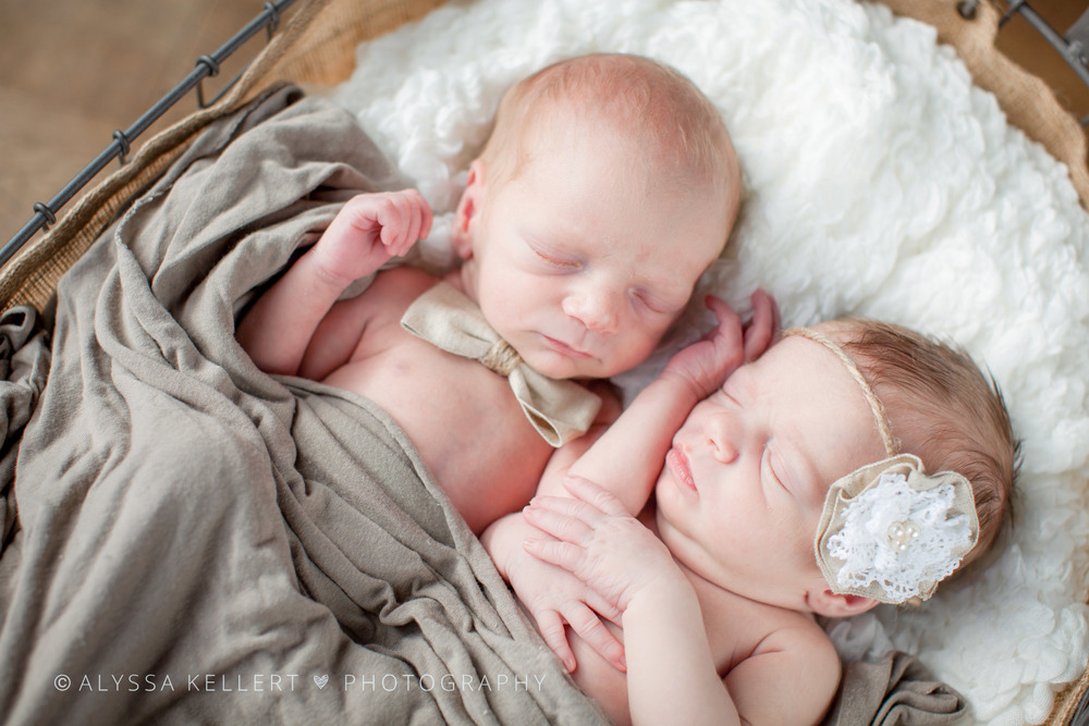 newborn-twins-boy-girl-basket-burlap-rustic