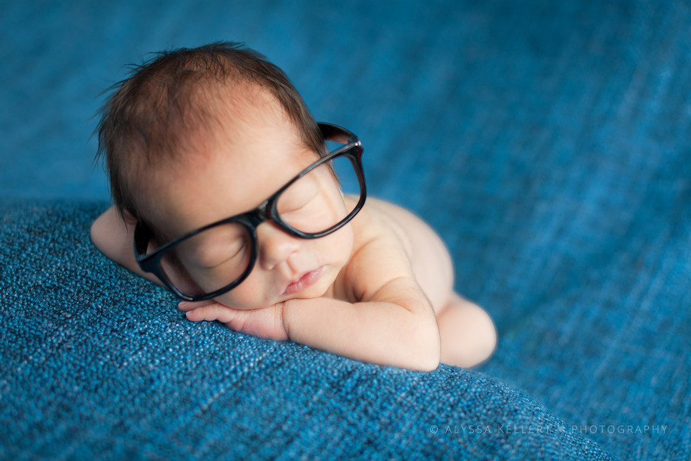 baby-boy-glasses-nerd-hipster-newborn-photography-vancouver-surrey