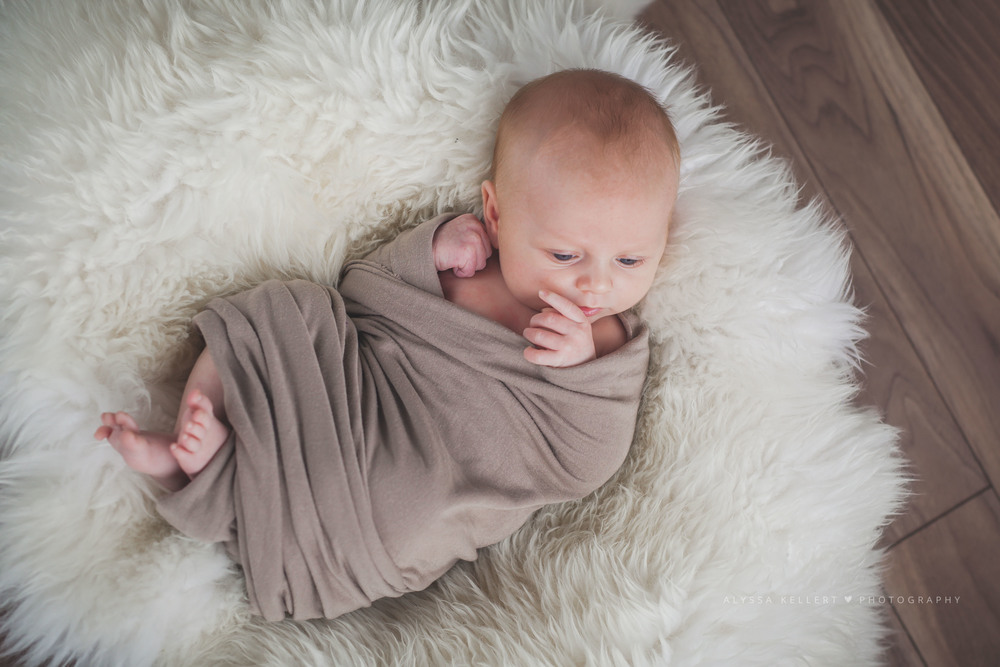 newborn-baby-boy-lifestlye-sheepskin-abbotsford-handsome-gorgeous-photography-natural