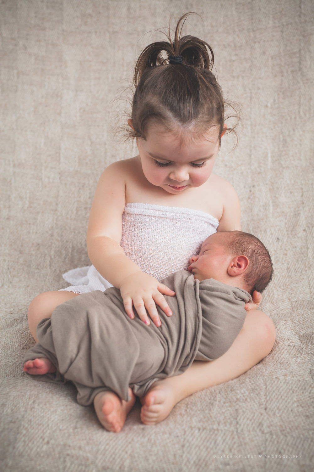 baby-siblings-photograph-vancouver-coquitlam-bc-brother-sister