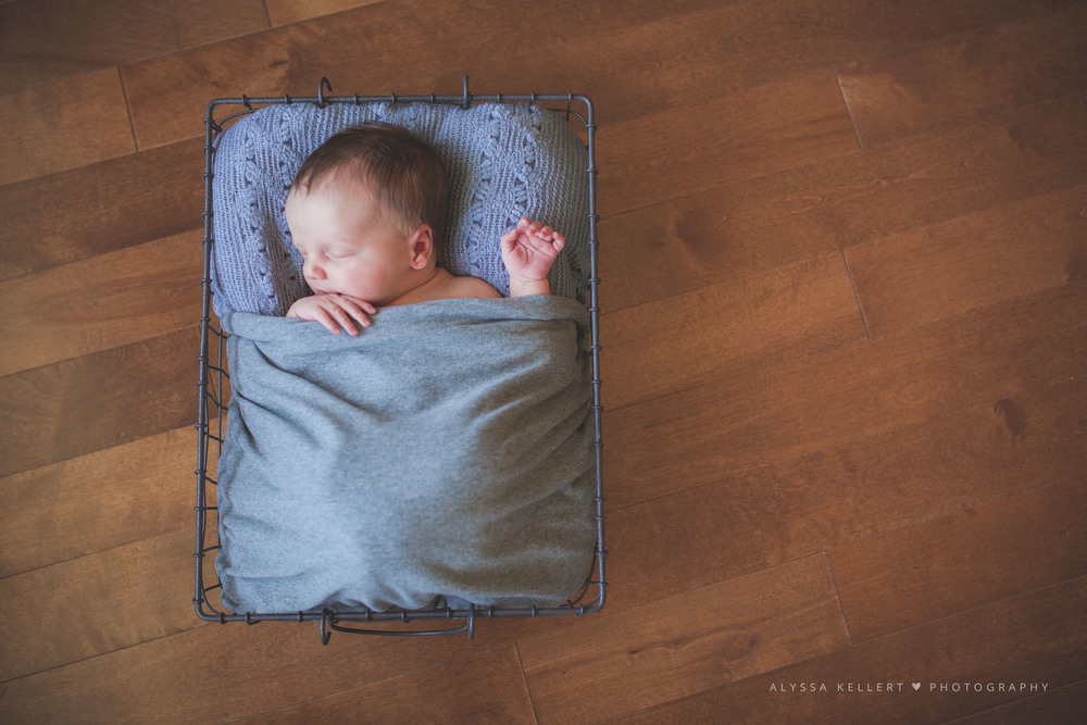 newborn-photography-lifestyle-photographer-coquitlam-vancouver-baby-basket
