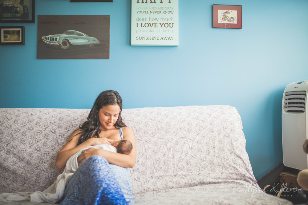 fresh48-newborn-photographer-portmoody-homebirth-girl-baby-lifestyle-photography-alyssakellert-vancouver-birth