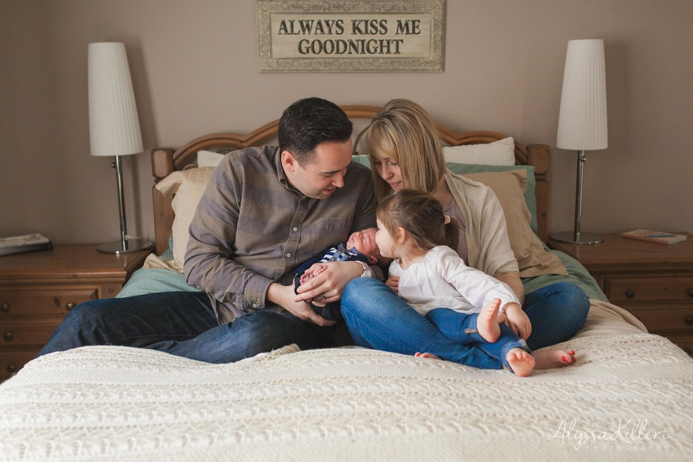 newborn-baby-boy-coquitlam-photography-photographer-family-bed