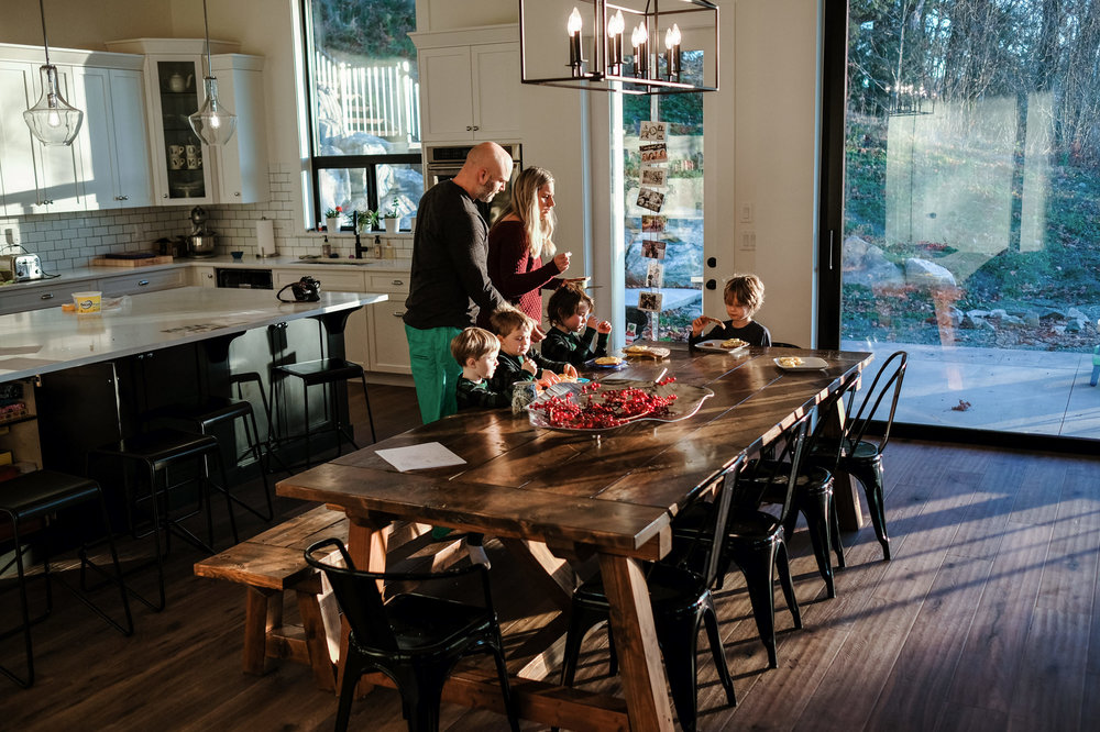 family-at-breakfast-table-handmade-documentary-photography-vancouver