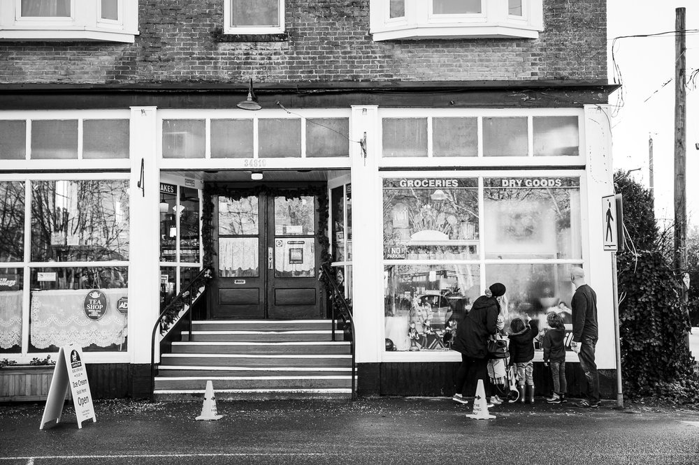 family-outside-candy-store-abbotsford
