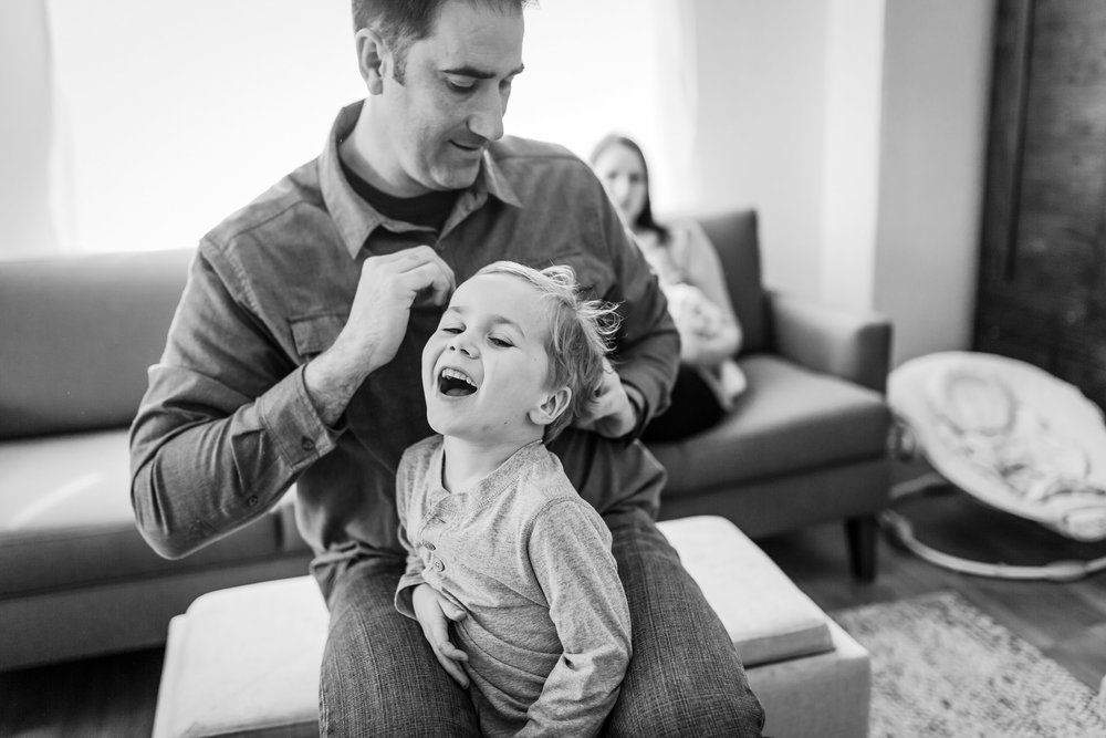 dad doing child's hair