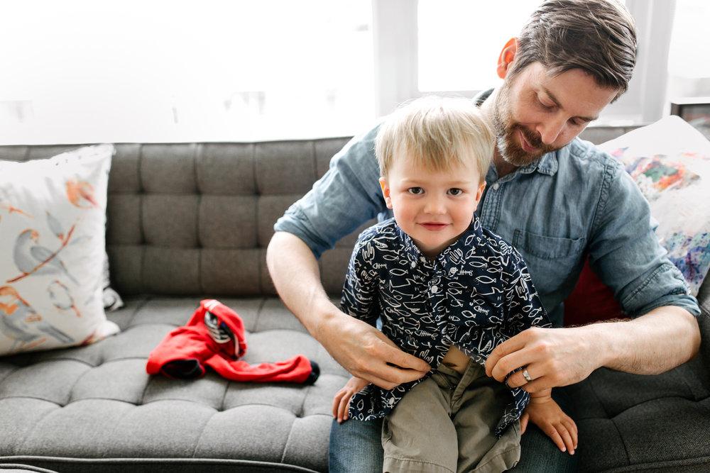toddler-button-shirt-dad-family-photos