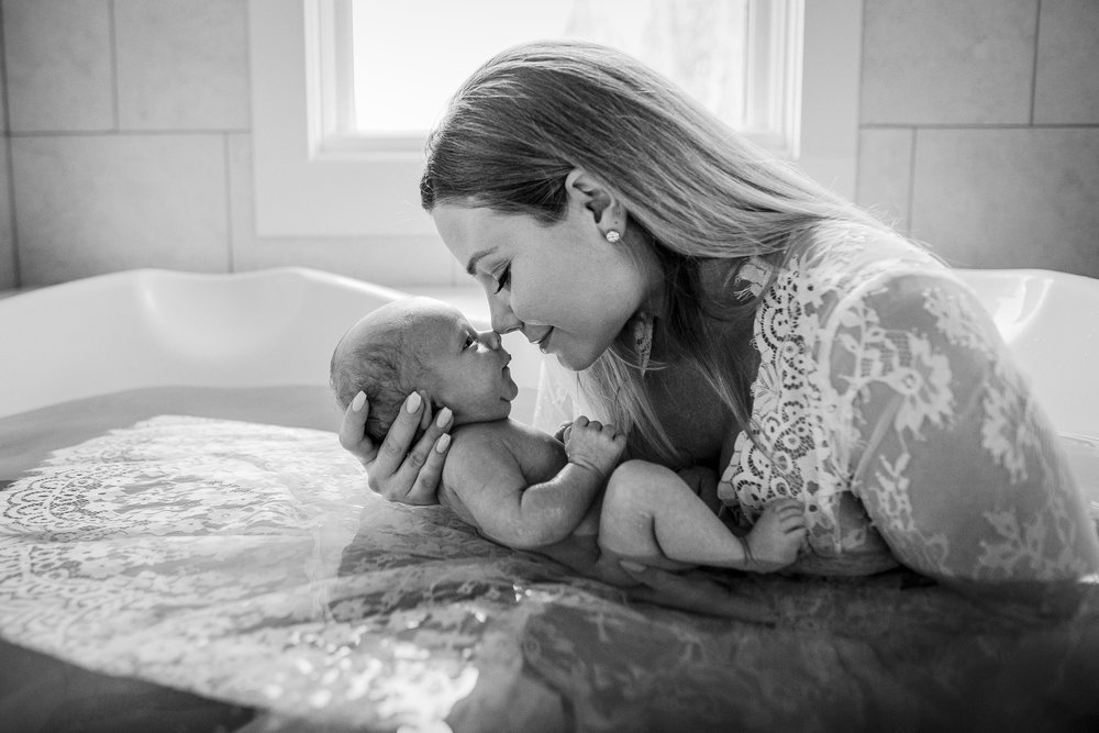 mom-baby-bath-postpartum-hebal-noses-backlit