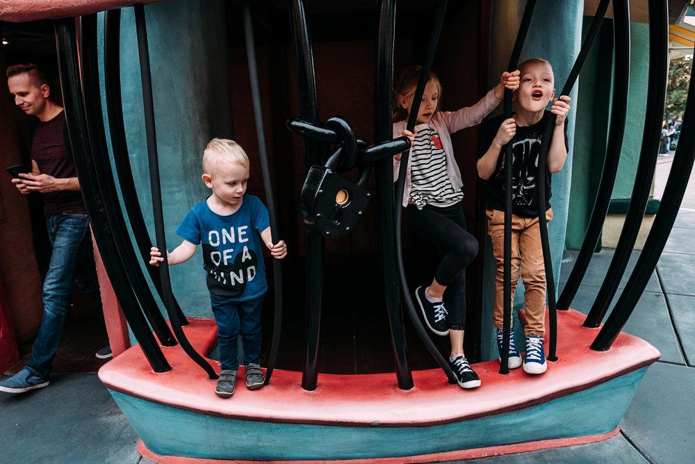 kids in jail at toon town in disneyland