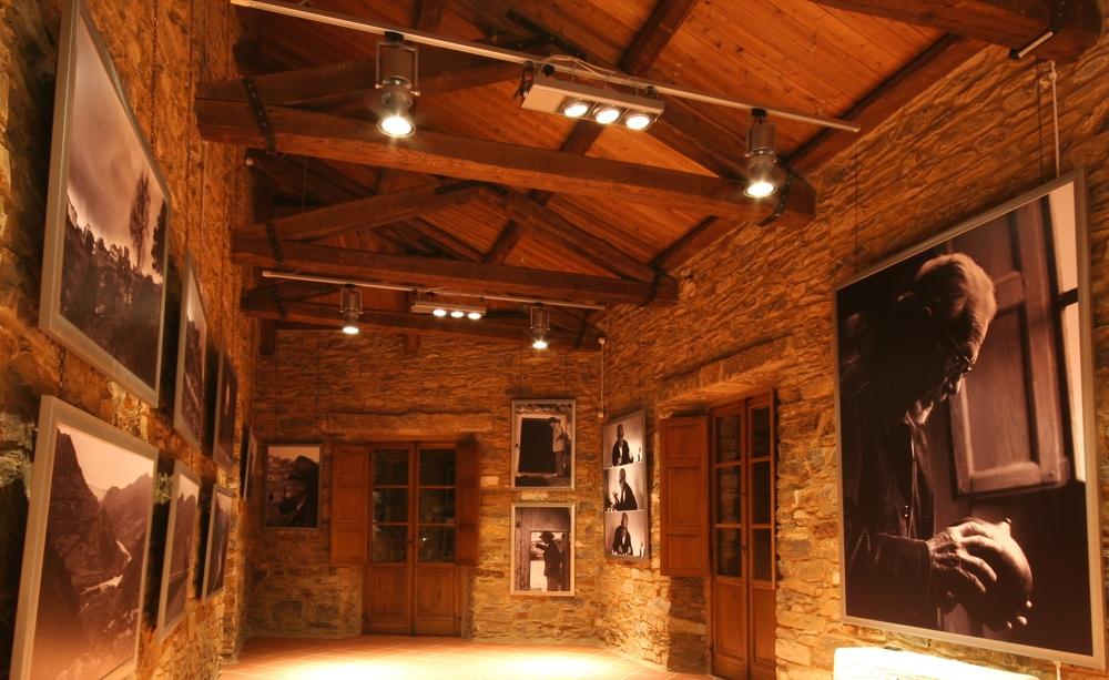 Museo Lussu. mostra fotografica Caruso.jpg
