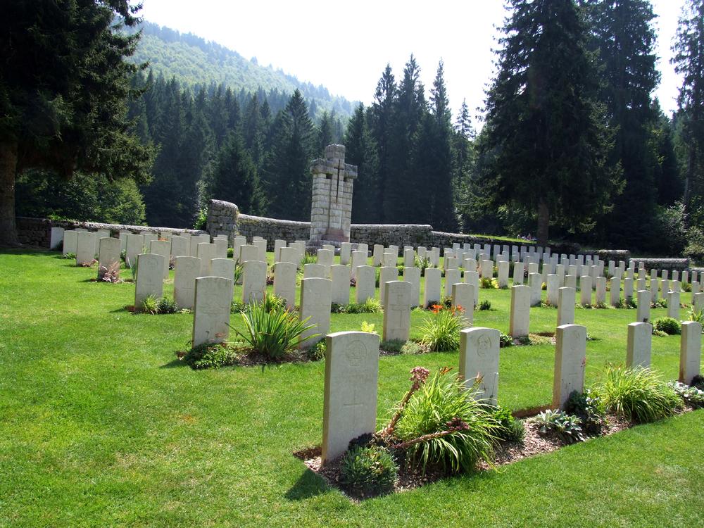 13 - cimitero inglese di Magnaboschi.JPG
