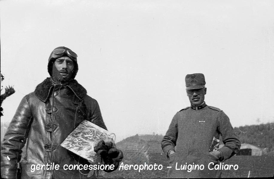 Sovizzo febbraio 1918 - serg Arrigoni prima del volo su Innsbruck- CRIPTATA.jpg
