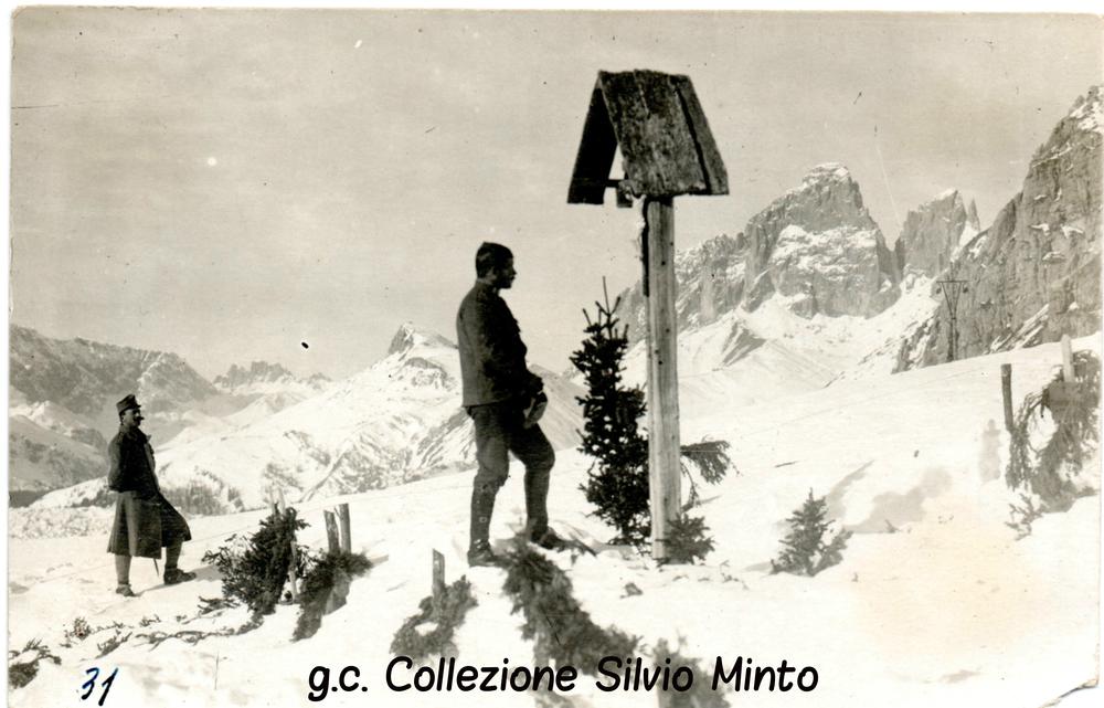 Soldati austroungarici in raccoglimento - zona Passo Pordoi