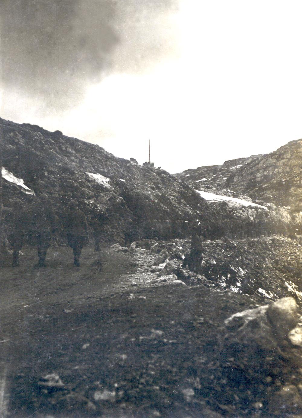 Prigionieri italiani catturati sull'Ortigara avviati verso le retrovie