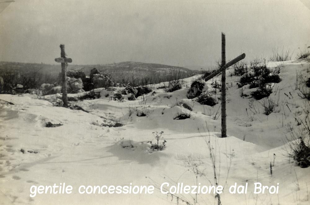 Tombe di soldati italiani caduti sul Monte Cengio