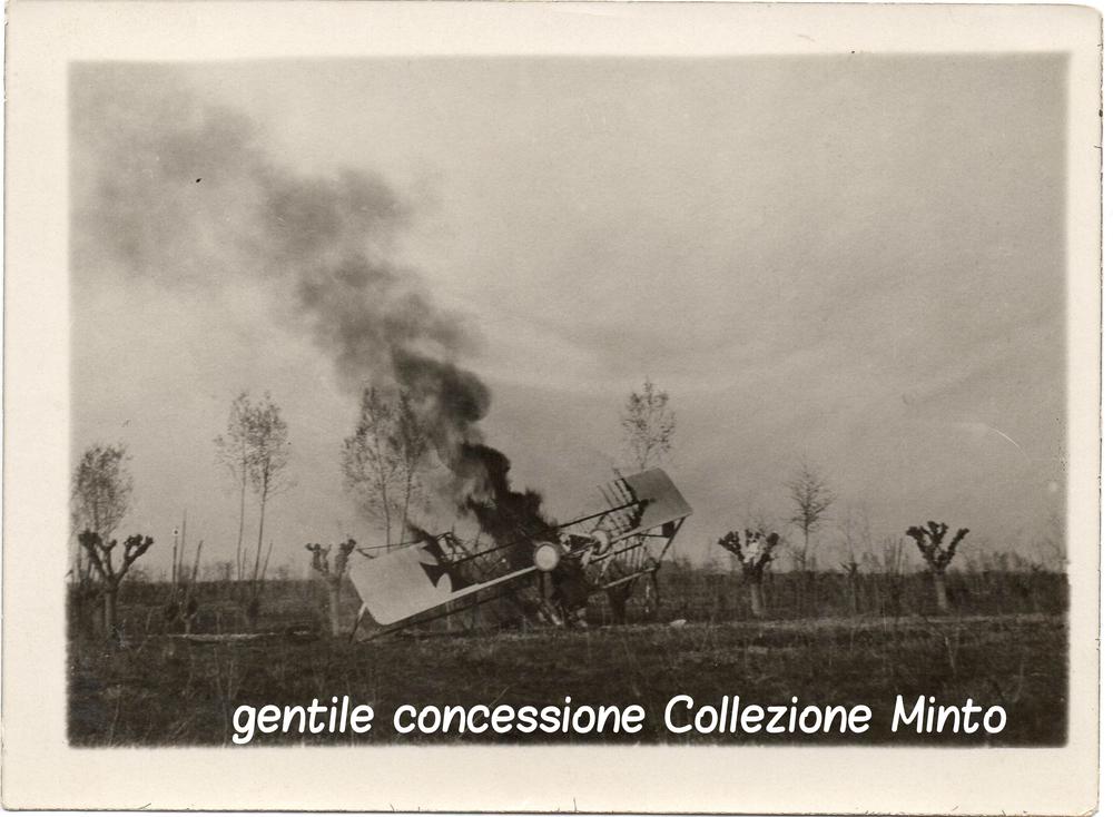 Aereo austroungarico abbattuto lungo il fronte del Piave