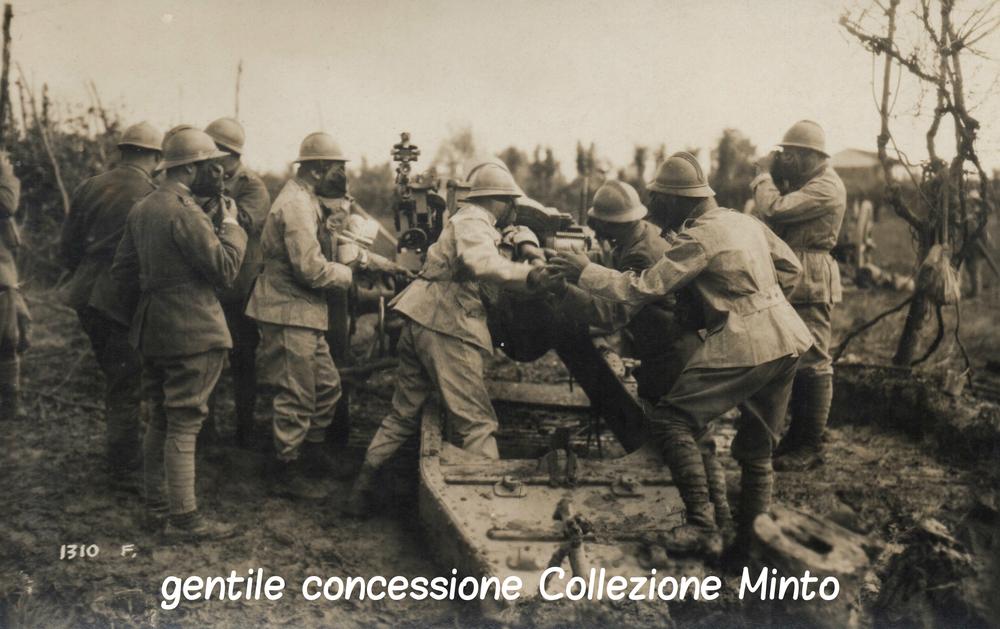 Batteria italiana si protegge da un attacco a gas lungo il Piave
