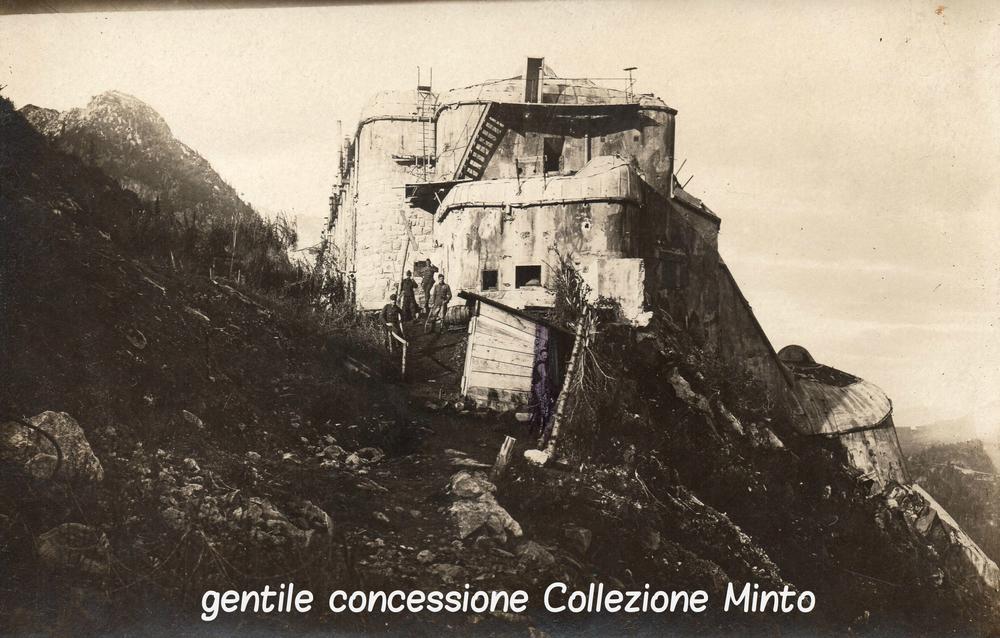 Rara immagine del Forte Presanella - q. 2.400 m. - scattata il 30 settembre 1918 da un soldato ungherese
