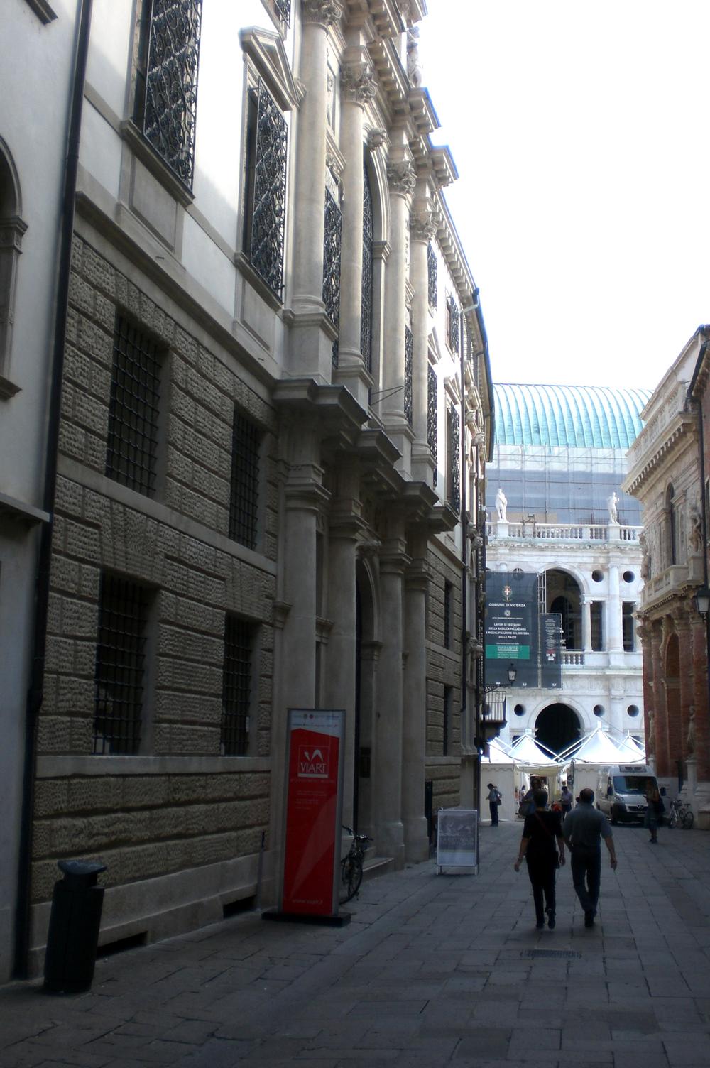 02- sede della ViArt di quegli anni, laterale di Pizza dei Signori.JPG