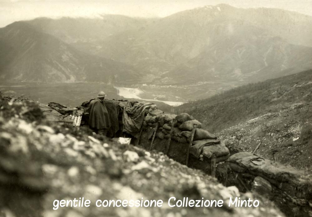 Prima linea sul Monfenera (sullo sfondo il Piave e Valdobbiadene)