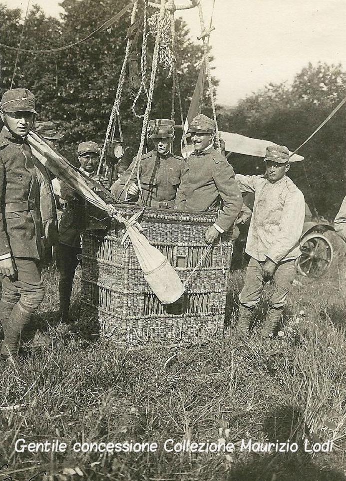 S.A.R. Filiberto di Savoia Duca di Pistoia a bordo di un Draken Ballon pallone aerostatico usato come osservatorio 1916
