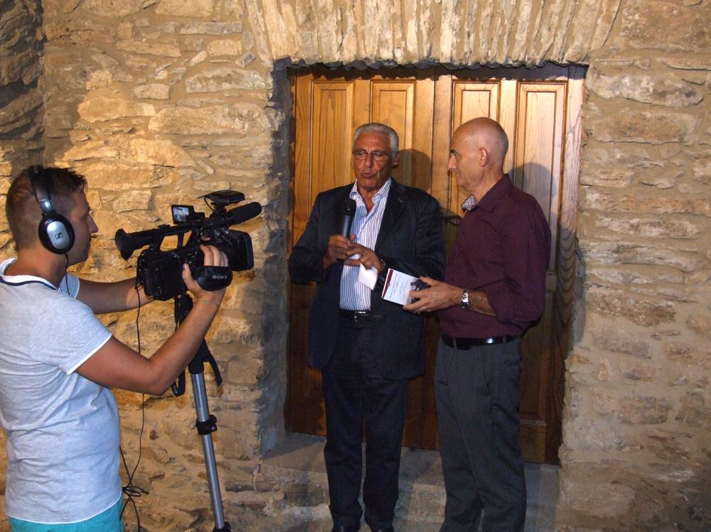 38 - la mia intervista con la Tv Sardegna 1 fattami dal prestigioso giornalista televisivo Valerio Vargiu.JPG