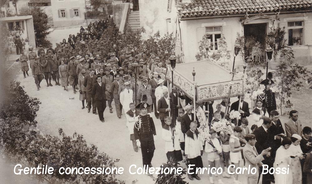 Processione Religiosa con militari c.jpg