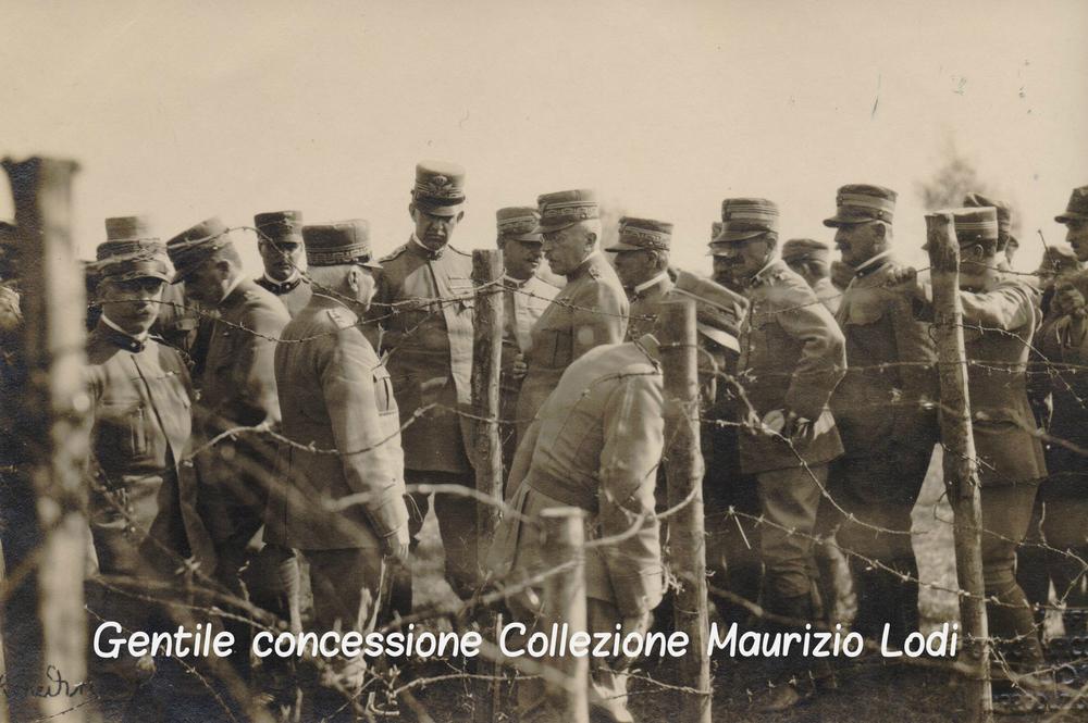 Cadorna e al Duca Aosta durante lo studio dei piani di offensiva della 1^ Battaglia dell'Isonzo   - Studio Fotografico Militare di Udine (c).jpg