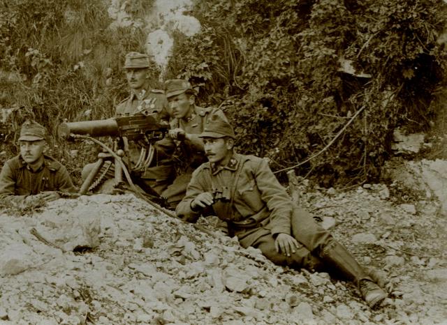 Reparto di mitraglieri imperiali in Alto Isonzo.