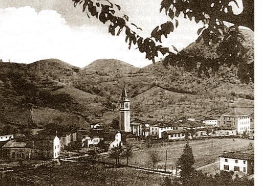 Foto cartolina d'epoca della frazione di Vallonara nei primi anni del Novecento