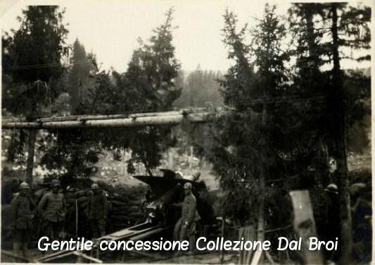 Pezzo di artiglieria italiana nella zona di Monte Zebio. - Coll. Dal Broi