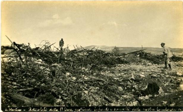 Linee conquistate dalla Sassari nella zona di San Martino del Carso, in una foto del 1916.