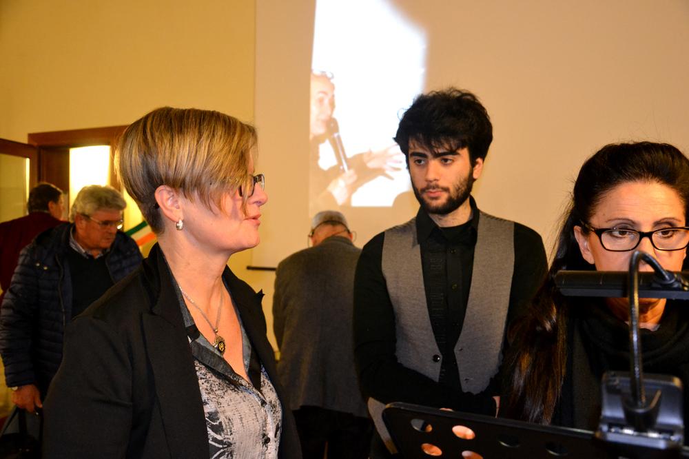 01 -  Assessore Giovanna Giacoppo con lettori .JPG
