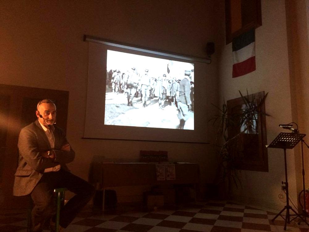 09 - visione in apertura serata del video - Emilio, il profilo dell'uomo.JPG